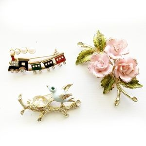 BROOCHES Pearl Gold Vintage Floral Bird Train Pins